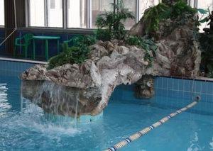 бассейн с минеральной водой