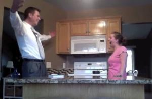 Она смонтировала скрытую камеру и объявила мужу, что беременна. Невероятная реакция мужа!