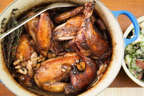 Цыпленок, тушеный в вине или coq au vin