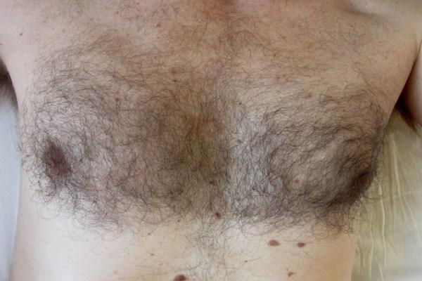 Появились парики для мужчин без волос на груди!
